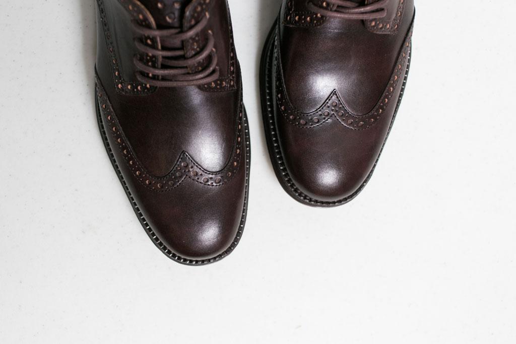 穿梭於各種場合,COLE HAAN LUNARGRAND WINGTIP 酒紅色鞋款 3
