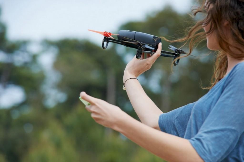 讓你感受駕駛無人機的震撼體驗—— 航拍利器Parrot Bebop Drone 3