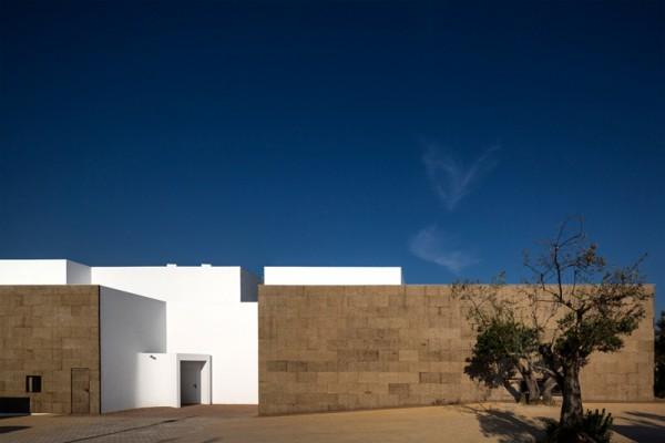 José Carlos Cruz 帶來世界上第一座以復合軟木材質建造的旅館—— Ecork Hotel 9