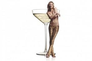以Kate Moss 左胸為原型打造的香檳杯