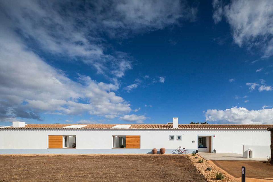 由[i]da arquitectos 事務所設計的Pe No Monte Rural Tourism 度假酒店 4