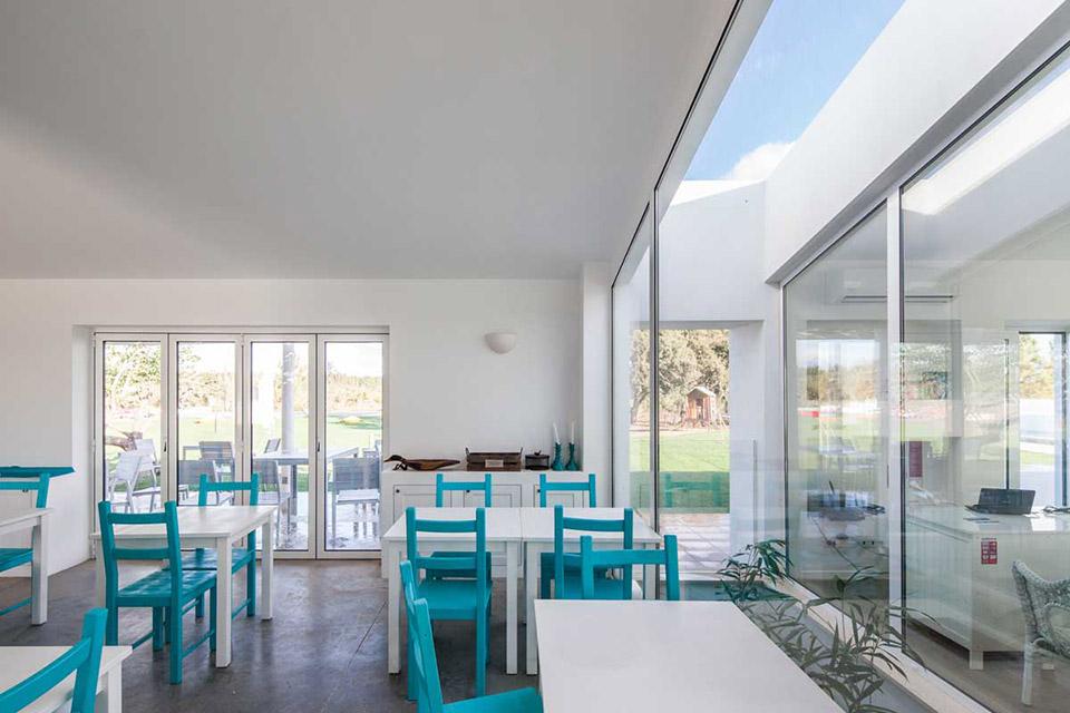 由[i]da arquitectos 事務所設計的Pe No Monte Rural Tourism 度假酒店 7
