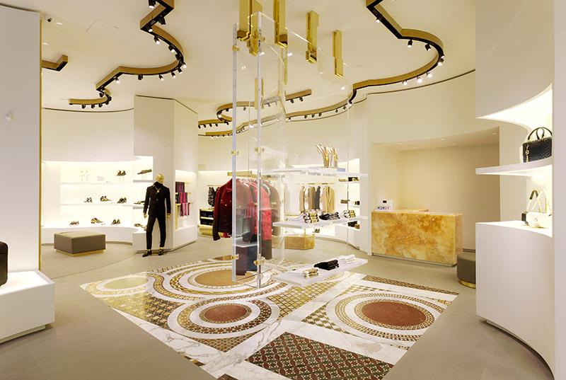 Versace 全新精品店鋪于 Dusseldorf 開設 1