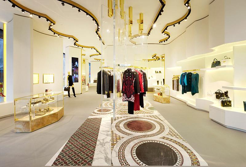 Versace 全新精品店鋪于 Dusseldorf 開設 3
