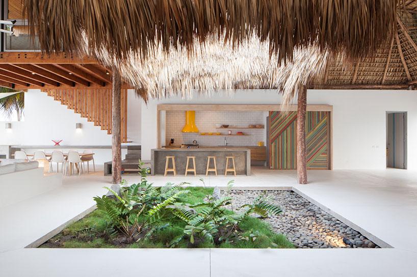 與自然共生,Cincopatasalgato Architects 事務所打造Casa Costa Azul 住宅 2