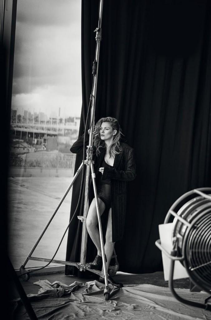 Kate Moss 爲《Vogue》 意大利版一月刊拍攝造型特輯 4