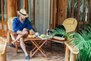 不可錯過的度假風情亞麻襯衫,Mister French 發布新季Lookbook