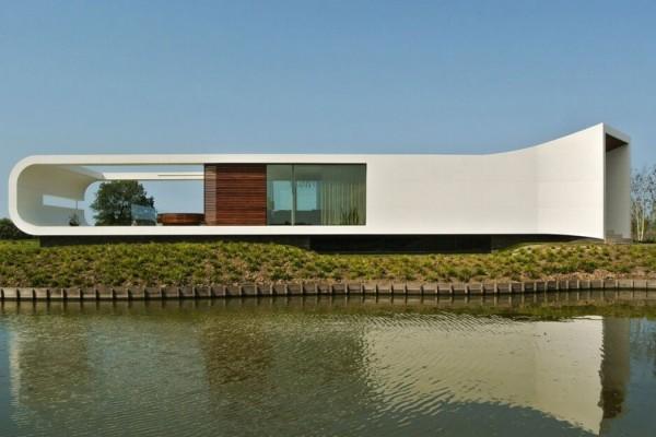 Futuristic Lakeside Villa By Waterstudio Architects 1