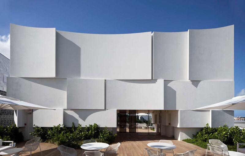 The Façade Of The New Dior Shop In Miami 4