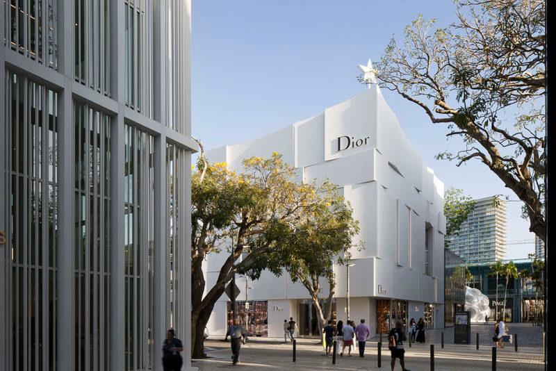 The Façade Of The New Dior Shop In Miami 6