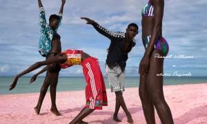 """陽光明媚的海島風情,Pharrell Williams & adidas Originals 公布第二波""""Pink Beach"""" 系列 5"""