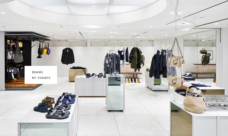 """可移動的貨櫃讓空間布局更靈活,Torafu 將BEAMS 新宿精品店變成了""""畫廊"""" 1"""