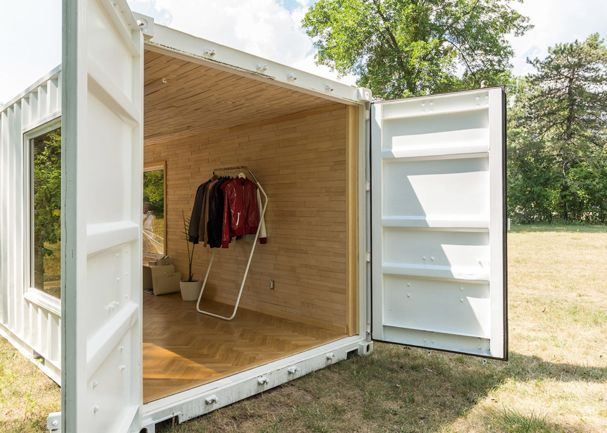 mobile boutique for luxury sportswear brand Needs & Wants 1