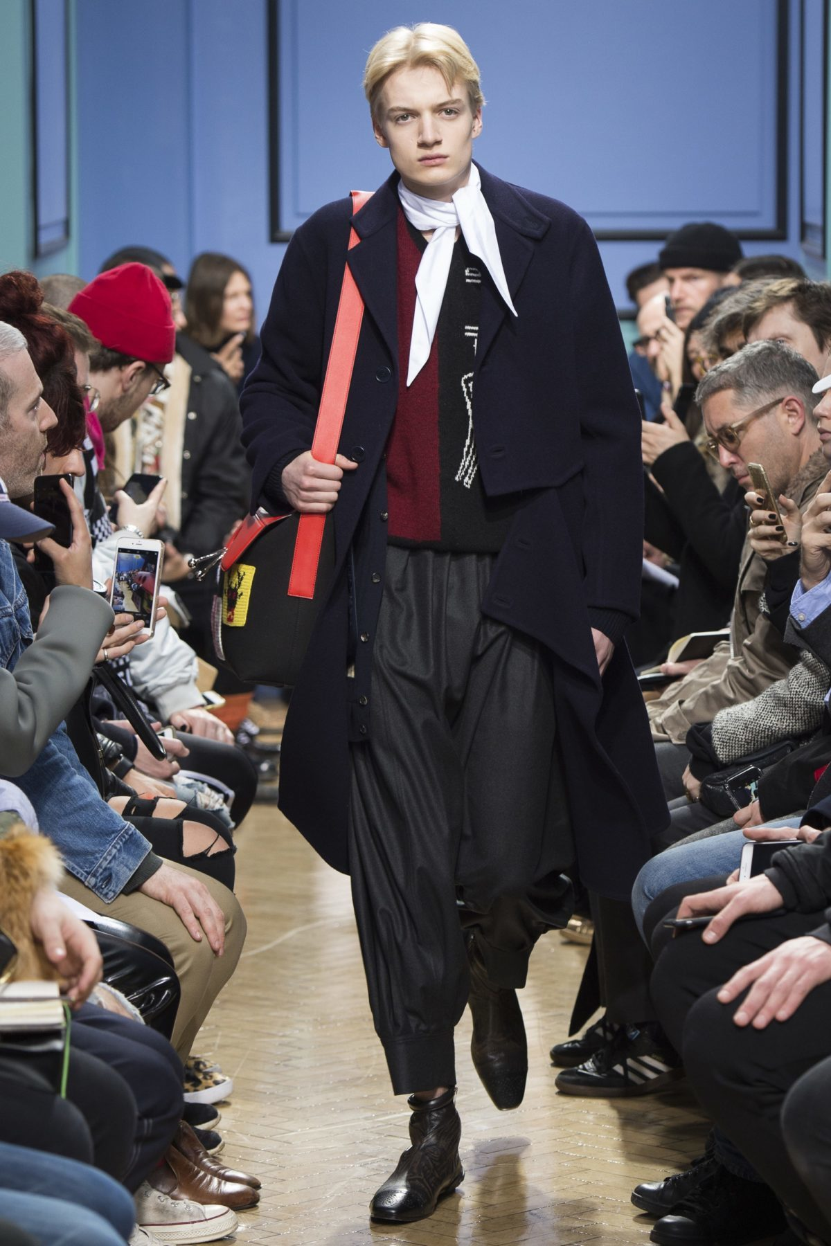 trendsfolio-fall-2017-menswear-j-w-anderson-32