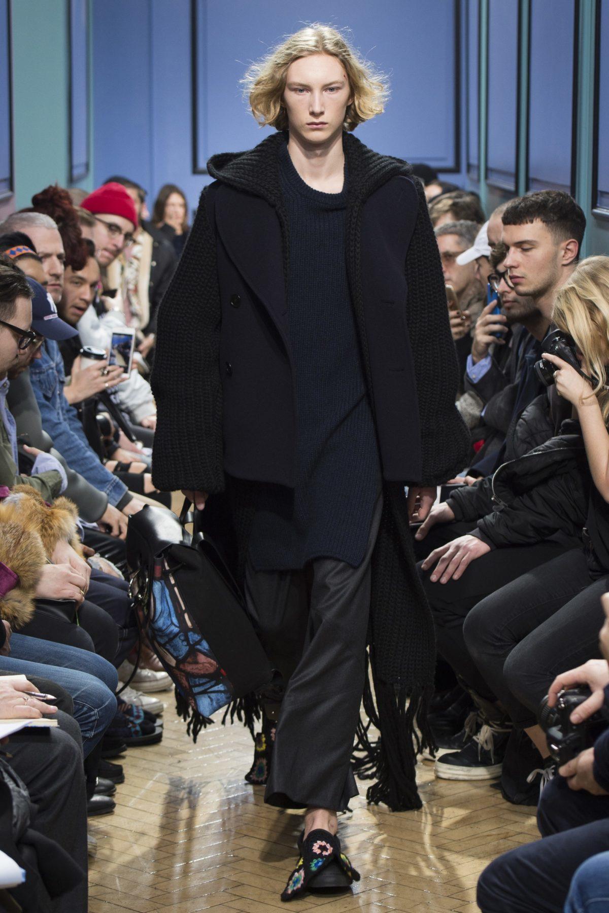 trendsfolio-fall-2017-menswear-j-w-anderson-35